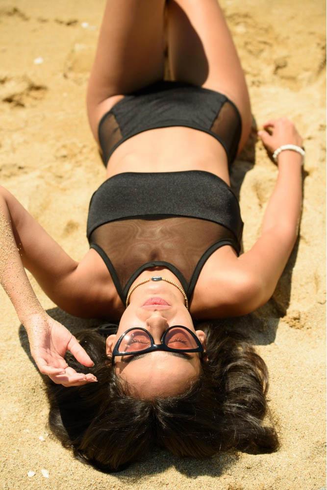 valeriana-black-bikini (2)